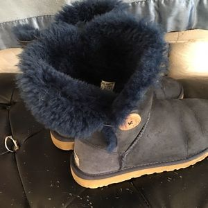 Blue uggs size 9